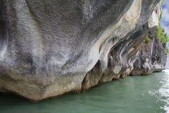 Вьетнам Скалы в заливе Halong Стоковые Изображения RF
