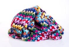 вязание крючком или одеяло вязания крючком на предпосылке Стоковая Фотография RF