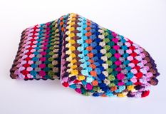 вязание крючком или одеяло вязания крючком на предпосылке Стоковые Фотографии RF