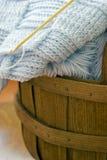 вязание крючком одеяла младенца Стоковые Фото