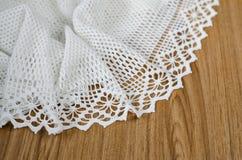 Вязание крючком с белой пряжей Стоковые Фото