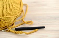Вязание крючком с шерстями Стоковые Фото