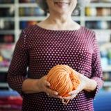 Вязать концепция шарфа ремесла Needlework пряжи иглы Knit стоковое изображение