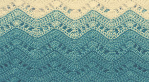 Вязать крючком крючком пестротканая хлопко-бумажная ткань в голубых цветах Striped wav Стоковое фото RF