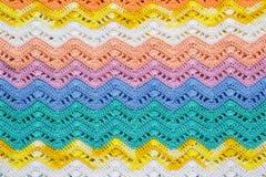 Вязать крючком крючком пестротканая хлопко-бумажная ткань в цветах лета Striped w Стоковое фото RF