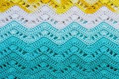 Вязать крючком крючком пестротканая хлопко-бумажная ткань в цветах лета Striped w Стоковые Изображения RF