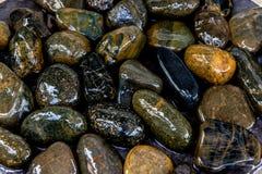 Влажная предпосылка текстуры реки утеса Стоковое Изображение RF