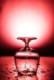 Влажный бокал с падением воды Стоковые Изображения RF