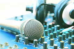 В аудиосистеме диспетчерского пункта Фильтры фото и винтажное Styl Стоковое фото RF