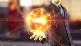 Владение бизнесмена над сетью руки глобальной цифровой акции видеоматериалы