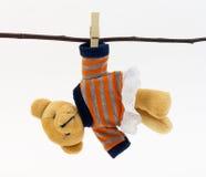 Владение игрушки медведя clothespine Стоковые Изображения