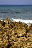 в воде облака Испании утеса пены острова Лансароте Стоковая Фотография RF