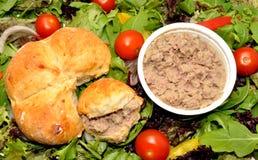 В горшке крен говядины и хлеба Стоковое Изображение RF