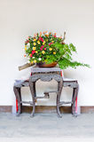 В горшке цветок в дворе Китая Стоковые Изображения
