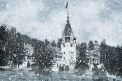 Влияние зимы замка Peles в прикарпатских горах Стоковые Изображения