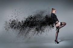 влияние танцы контраста затеняет детенышей женщины Стоковая Фотография RF