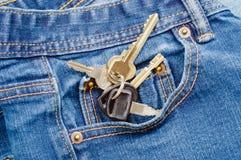 В моем карманн джинсовой ткани стоковые фото