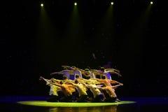 В народном танце Huanghe толпы- Рек-китайском Стоковое Фото