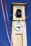 в дне стены и церковного колокола caiello старом абстрактном солнечном Стоковая Фотография RF