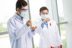 В окружающей среде лаборатории Стоковое Изображение