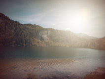В осени Басня фантазии в парке с сценой восхода солнца стоковая фотография