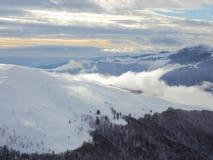 В одичалые горы Стоковые Изображения