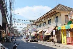 2011 вдоль kanchanaburi февраля смерти тележки двигает работника следов Таиланда железной дороги фото железнодорожными принятого  Стоковое фото RF