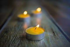 В собственном доме, свечи стоковая фотография rf
