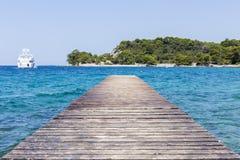 В Средиземном море пристань гавани Стоковые Изображения