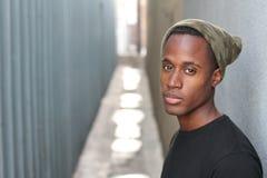 В стиле фанк молодой африканец Гай - изображение запаса стоковые фото