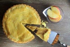 В тортах западн-стиля таблицы древесины Стоковая Фотография RF
