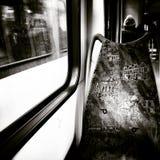 В трамвае Художнический взгляд в черно-белом Стоковое фото RF