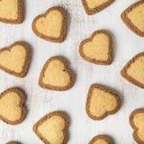 в форме Сердц печенья на день ` s валентинки St Стоковая Фотография