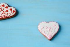 в форме Сердц печенья на досках Стоковое Фото