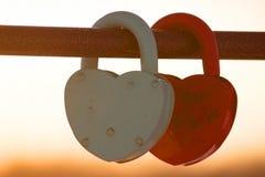 2 в форме сердц padlocks Стоковое Изображение