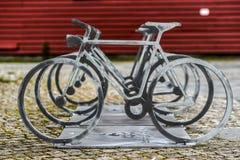 в форме Цикл стойка велосипеда, улица Ставангера стоковое изображение