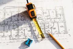 В чертеже карандаш и рулетка Стоковое Изображение RF