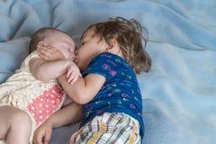 Влюбленность брата и сестры стоковые изображения rf