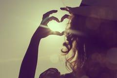 Влюбленность захода солнца Стоковые Изображения RF