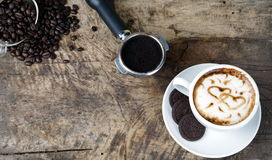 Влюбленность кофе с сердцами на молоке, искусством кофе Latte Стоковая Фотография RF
