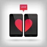 Влюбленность на телефоне Стоковые Фотографии RF