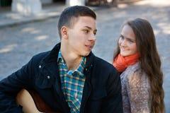 Влюбленность, подросток и девушка Стоковые Изображения RF