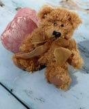 Влюбленность плюшевого медвежонка Стоковые Фото