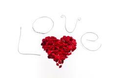 Влюбленность с красным сердцем стоковое изображение rf