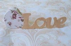 Влюбленность слова сделана древесины Стоковые Изображения