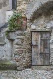 В Castelvecchio di Rocca Barbena стоковая фотография rf