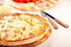 Гаваиская пицца стоковое фото rf