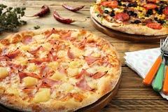 гаваиская пицца стоковые изображения rf
