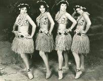 Гаваиские танцоры стоковое фото rf