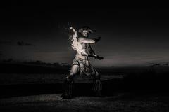 Гаваиский танцор с пожаром Стоковое Изображение RF
